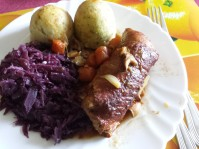 Roulade, dumplings, red cabbage